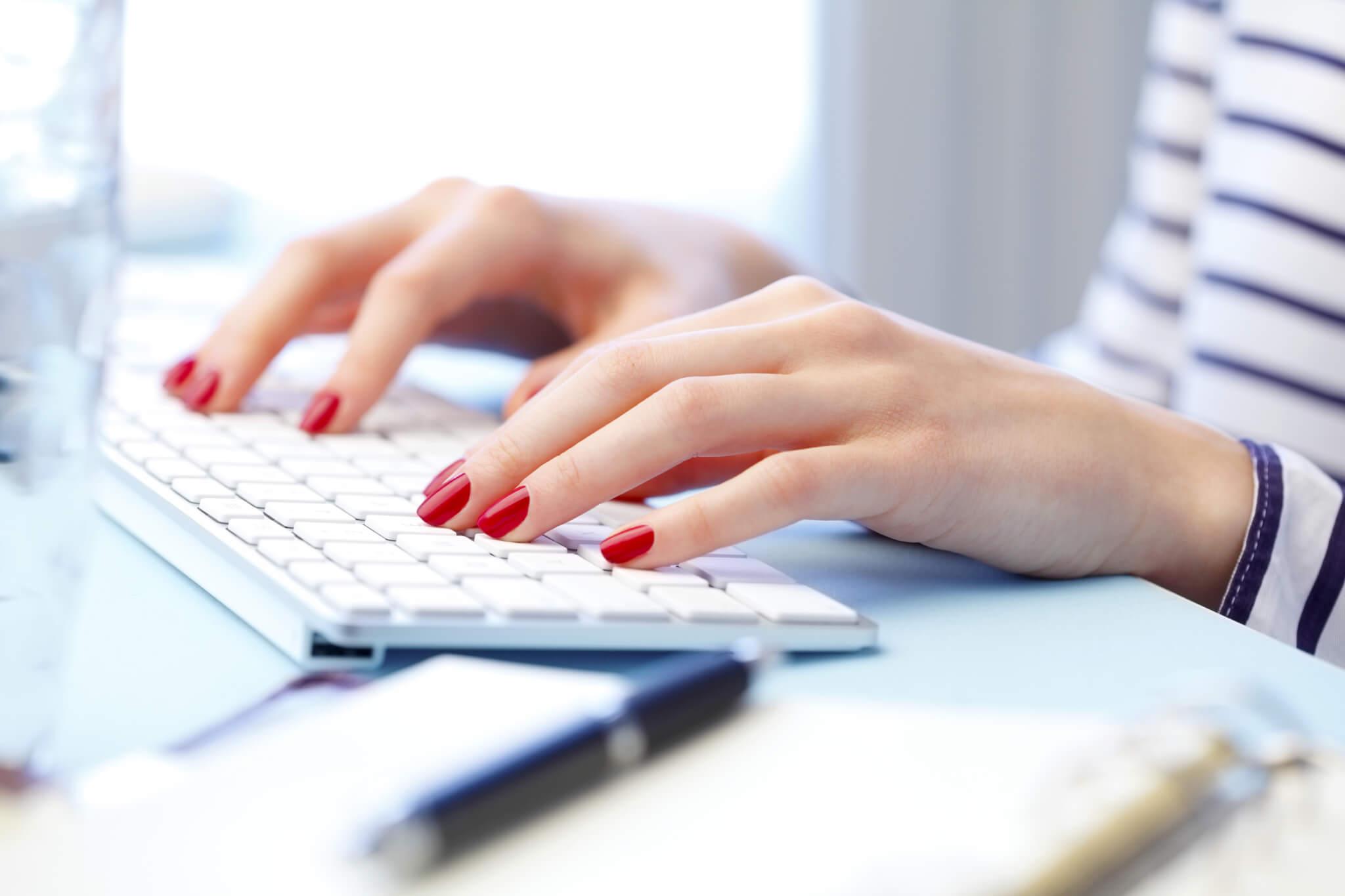 Ett välformulerat pressmeddelande är ofta en förutsättning för att få just din nyhet publicerad i media. Här får du åtta tips på hur du skriver ett.